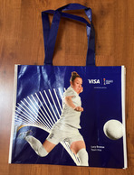 FRANCE 2019 WOMENS WORLD CUP FOOTBALL (Grand Sac) Format 42x38 Cm. (Eugenie Le Sommer & Lucy Bronze) Etat Neuf - Apparel, Souvenirs & Other