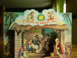 NOËL:TRES BELLE CARTE EN 3 D D'UNE CRECHE DE NOËL - Natale