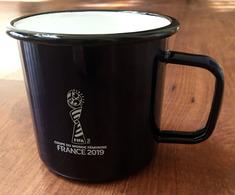 FRANCE 2019 FIFA WOMENS WORLD CUP FOOTBALL . Tasse (etat Neuf) Une Seule Disponible - Cups