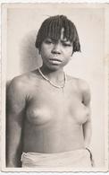 TCHAD ( A.E.F. ) TYPE De FEMME BAGIRNI.  JEUNE FEMME SEINS NUS. - Afrique