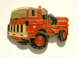 Pin's CAMION DE POMPIER RENAULT - Firemen