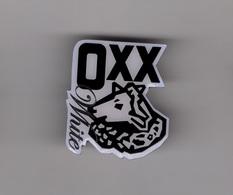 Pin's Bière / Gold Ochsen - OXX White (logo époxy) Hauteur: 3,4 Cm - Beer