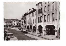 88 Remiremont La Grand Grande Rue Et Ses Arcades CPSM GF Edit Estel N°7366 Vieille Voiture Auto Hotel Du Commerce - Remiremont