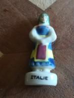 EUROPE - FEMME ITALIE - COULEUR GREGE - FEVE BRILLANTE - - Countries