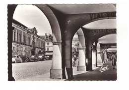88 Remiremont La Grand Rue Vue Sous Les Arcades CPSM GF Edit Estel N°7331 Coccinelle VW Auto Voiture - Remiremont