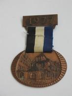 Médaille SPINNRADEL 1977 - KAISERSLAUTERN    *** EN ACHAT IMMEDIAT *** - Firma's