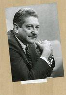 Photo Originale . Le Général  WEIZMAN  Ministre De La Défense D'ISRAEL  En 1980 - Guerre, Militaire