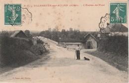03 - VILLENEUVE SUR ALLIER - L' Entrée Du Pont - Frankrijk
