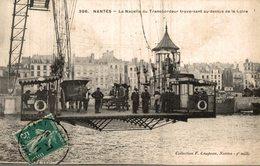 44 NANTES  LA NACELLE DU TRANSBORDEUR TRAVERSANT AU-DESSUS DE LA LOIRE - Nantes