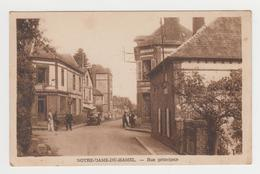 NO123 - NOTRE DAME DU HAMEL - Rue Principale - Voiture Ancienne - Commerce - Personnages - France