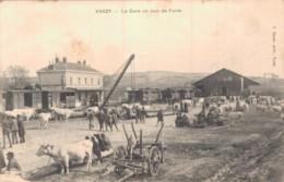 58 VARZY LA GARE UN JOUR DE FOIRE CIRCULEE 1912 - Autres Communes