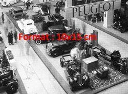 Reproduction D'une Photographie Ancienne Du Grand Stand Peugeot Au Salon De L'automobile De Paris En 1934 - Riproduzioni