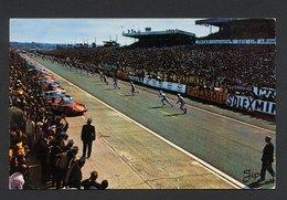 """CARTE POSTALE DES 24 HEURES DU MANS - CACHET TEMPORAIRE """" LES 24 HEURES DU MANS 18 - 19 JUIN 1966 """"  - CARTE COULEUR - Le Mans"""