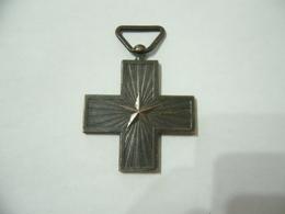 Ww1 Croce Croixe Al Merito Di Guerra Modello Vittorio Emanuele III. - Italia