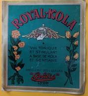 10836 -  Royal-Kola Vin à Base De Kola & Geantiane Geldis Lyon - Whisky