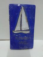 Jolie Plaquette En Céramique Pour Le Royal Club Nautique Sambre & Meuse De 1974 Céramique Odette Dijeux Namur - Aviron