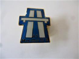 PINS A.S. MAROLLES  / 77 SEINE ET MARNE / 33NAT - Badges