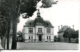 N°73858 -cpsm Saint Pierre Des Corps -la Mairie Et Les écoles- - Francia