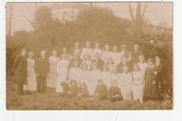 CARTE PHOTO - REDON - LA CROIX VERTE - GROUPE DE PERSONNES DONT INFIRMIERES - AVRIL 1919 - 35 - Redon