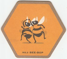 UNUSED BEERMAT - YOUNG'S BREWERY - (WANDSWORTH, ENGLAND) - WAGGLEDANCE - BEE BOP - (Cat No 072) - (2001) - Bierviltjes