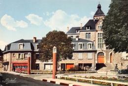 EGLETONS - Place Chapoulie - Crémerie - Horlogerie-Bijouterie - Photo Michel, Marcillac-la-Croisille - Egletons