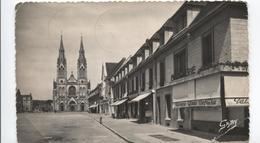 1955 Vimoutiers  - Place Mackau - Coté Mairie - Voir Patisserie  - Glaces ... - - Vimoutiers