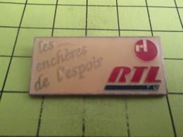 1315b Pin's Pins / Beau Et Rare : THEME MEDIAS / Pour Gori Le Goret RTL LES ENCHERES DE L'ESPOIR RADIO - Medias