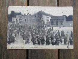CPA 59 DUNKERQUE LA CASERNE JEAN BART MILITAIRES DEFILE - Dunkerque