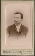 Old Photo (10,5cmx6,3cm) Old Photograph Men - Descamps Leclercq Photographe - France Lille - Photo Ancienne Homme - Photographs