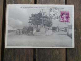 CPA 85 ILE DE NOIRMOUTIER BARBATRE ROUTES DU GOIS ET DE LA FOSSE CALVAIRE CROIX - Ile De Noirmoutier