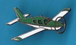 PIN'S //  ** AVION / MOONEY ACCLAIM / TYPE S ** . (Démons & Merveilles) - Airplanes