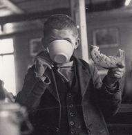 Z81 Paul Senn Having Poverty Lunch At School Adelboden Switzerland Postcard - Photographs