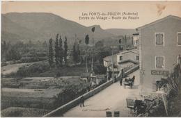 LES FONTS Du POUZIN ( Ardèche ) - Entrée Du Village - Route Du Pouzin. Café - Attelages. - France