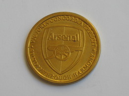 Médaille Anglaise - ARSENAL FC - Emirates  Stadium   **** EN ACHAT IMMEDIAT **** - Professionnels/De Société