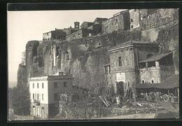 Cartolina Orvieto, Blick Auf Eine Häuserzeile An Der Kirche - Altre Città
