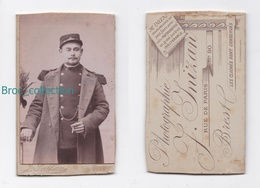 Photo Cdv D'un Militaire, 6 Sur Col, Photographe J. Inizan, Brest - Guerre, Militaire