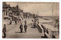 LA BAULE -- Le Boulevard Hennecart Et L'entrée Des Bains (très Animée, Bains AUDUREAU à Droite).............  à Saisir - La Baule-Escoublac