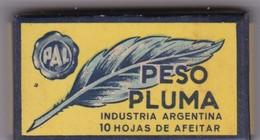 PESO PLUMA. PAQUETE 10 HOJAS INDUSTRIA ARGENTINA- CIRCA 1940'S. RAZOR BLADE LAME DE RAISOR HOJA DE AFEITAR - BLEUP - Scheermesjes