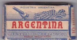ARGENTINA, ACERO. PAQUETE 10 HOJAS INDUSTRIA ARGENTINA- CIRCA 1940'S. RAZOR BLADE LAME DE RAISOR HOJA DE AFEITAR - BLEUP - Scheermesjes