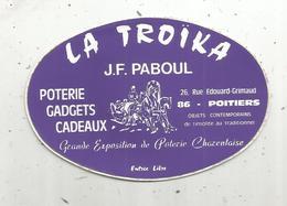 AUTOCOLLANT, LA TROÏKA ,  J.F. Paboul ,  Poterie ,gadgets ,cadeaux ,  Poitiers - Autocollants