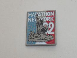 Pin's STATUE DE LA LIBERTE, MARATHON DE NEW YORK 1992 - Athlétisme