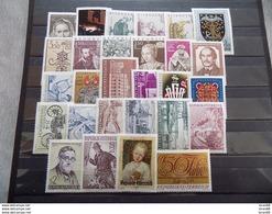Année Complète 28 Timbres Neuf Autriche 1971 - Años Completos