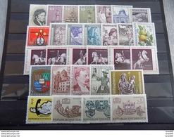 Année Complète 29 Timbres Neuf Autriche 1972 - Años Completos