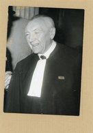 Photo Originale . Maitre  CHARPENTIER  Défenseur De SALAN  Incarcéré à La Santé En 1962 - Krieg, Militär