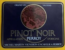 10865 - Pinot Noir Perroy Suisse Michel Martin - Etiquetas