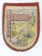 INSIGNE TISSU SCOUT, ECUSSON LA BESACE, BOHAN ( VRESSE SUR SEMOIS ), SAC, TENTE, SCOUTISME, PROVINCE DE NAMUR, BELGIQUE - Movimiento Scout