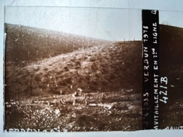 Guerre 1914-18 - VERDUN - Ravitaillement En Première Ligne - - Plaque De Verre StéréoscopiqueTBE - Plaques De Verre