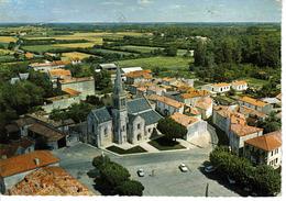 17 Aigrefeuille Entre Surgères Et La Rochelle En 1976 Place Centre Eglise Simca Aronde Ariane Peugeot 404 - Non Classificati