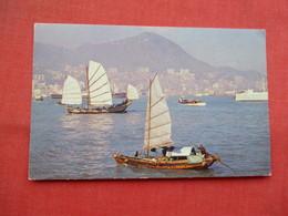China (Hong Kong) View Of Harbor    Ref 3454 - China (Hong Kong)