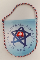 Pennant Football Soccer Federation Of SLOVAKIA 85 X 95 Mm - Apparel, Souvenirs & Other